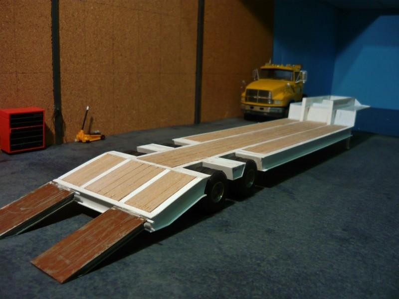 Ford  Aeromax avec fardier 35 tonnes - Page 3 P1130011