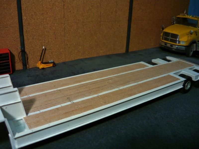 Ford  Aeromax avec fardier 35 tonnes - Page 3 P1130012