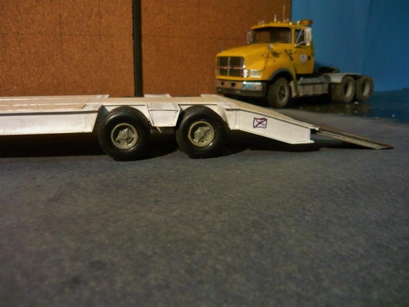 Ford  Aeromax avec fardier 35 tonnes - Page 3 P1130014