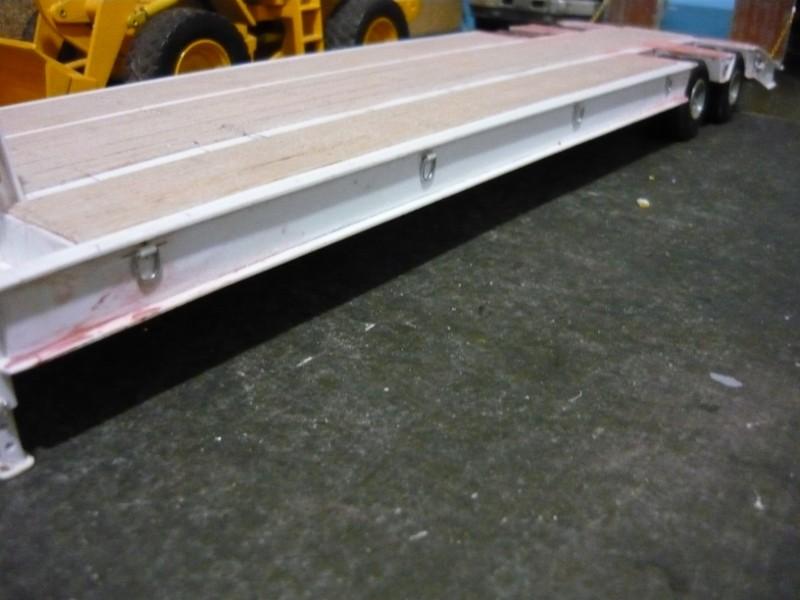 Ford  Aeromax avec fardier 35 tonnes - Page 4 P1130025