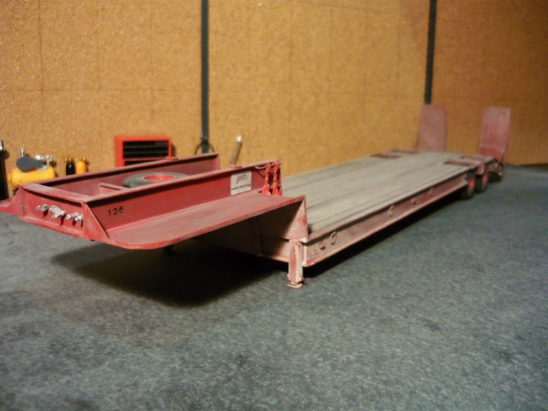 Ford  Aeromax avec fardier 35 tonnes - Page 4 P1130110