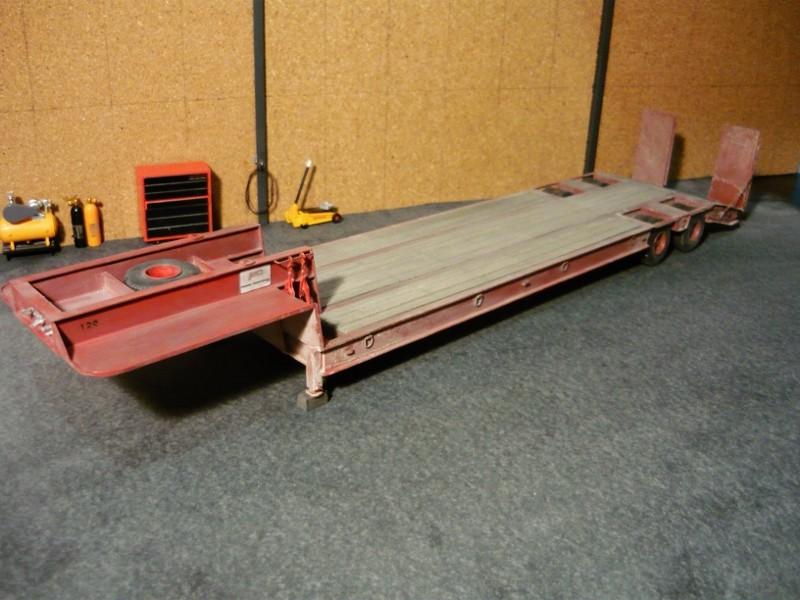 Ford  Aeromax avec fardier 35 tonnes - Page 4 P1130111