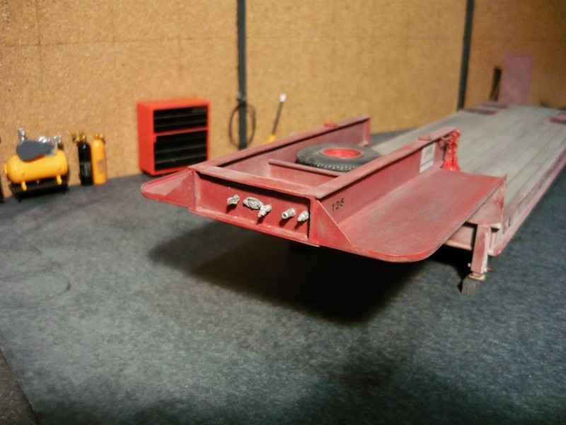 Ford  Aeromax avec fardier 35 tonnes - Page 4 P1130112