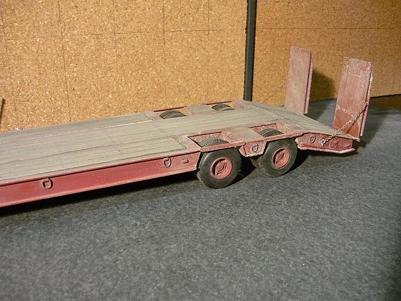 Ford  Aeromax avec fardier 35 tonnes - Page 4 P1130113