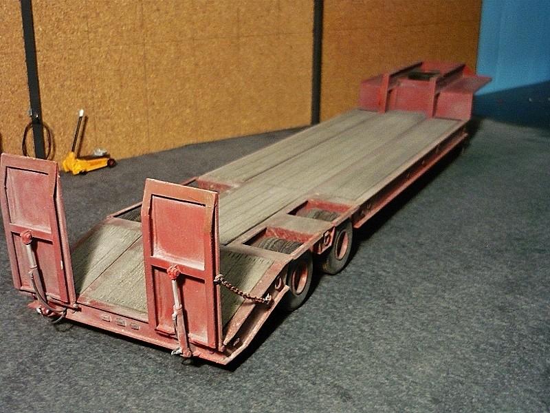 Ford  Aeromax avec fardier 35 tonnes - Page 4 P1130114