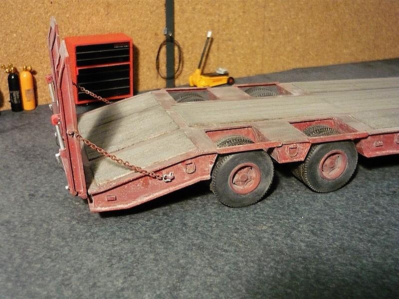 Ford  Aeromax avec fardier 35 tonnes - Page 4 P1130116