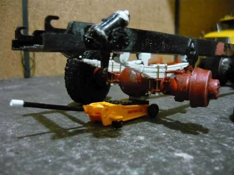 Mack RM 600 6X6 avec équipement a neige. P1130213