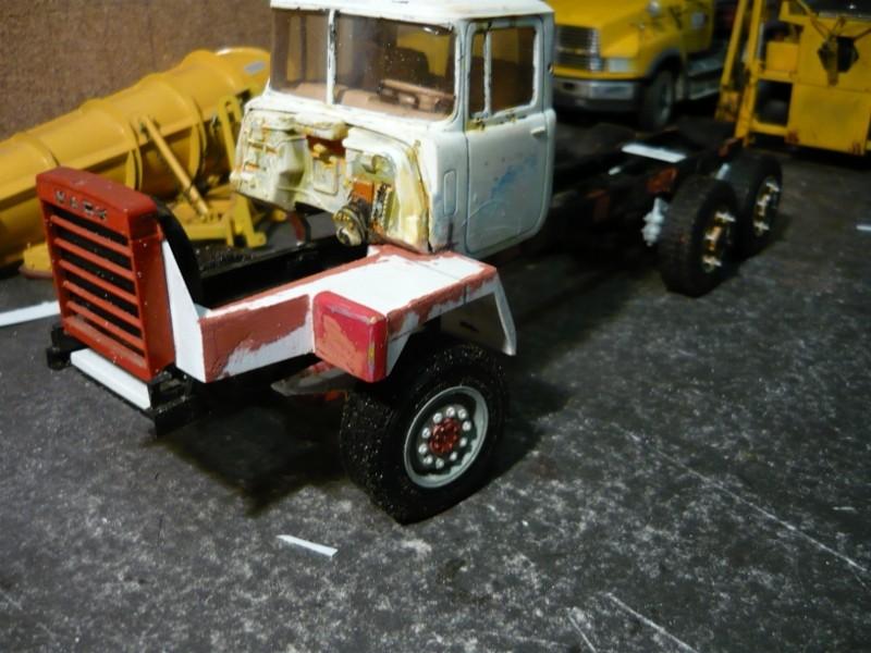 Mack RM 600 6X6 avec équipement a neige. P1130224