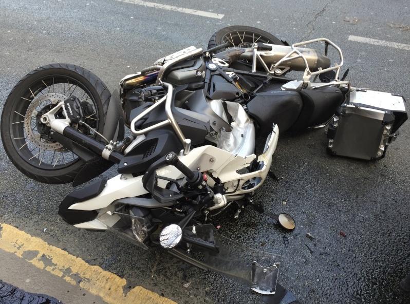 Objets dangereux à moto Gs_cas10