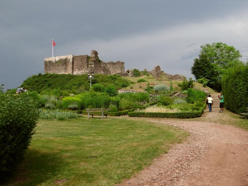 Le château d'Epinal hier Dsc07318
