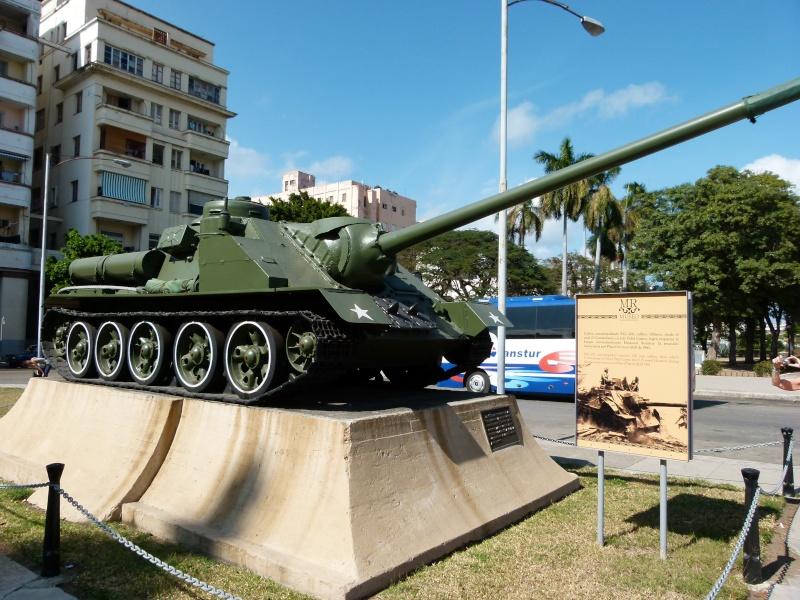 Blindés Cubains. Parce qu'il n'y a pas que les bateaux. P1090212