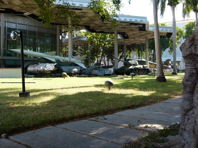 Blindés Cubains. Parce qu'il n'y a pas que les bateaux. P1090213