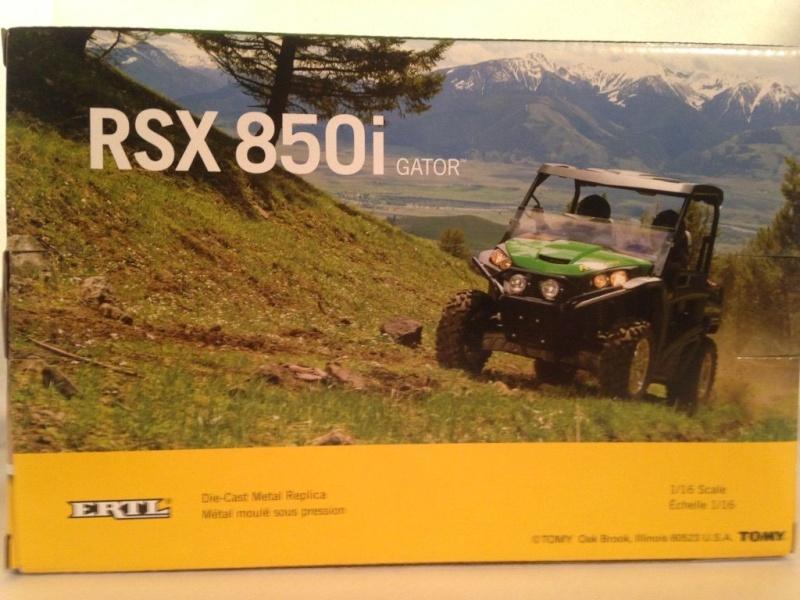 ERTL John Deere GATOR  RSX 850i  au 1/16ème (ref 45296) Bsftbs10