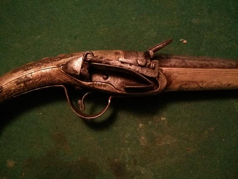 Rare pistolet à silex 17 ème siècle Img_2015