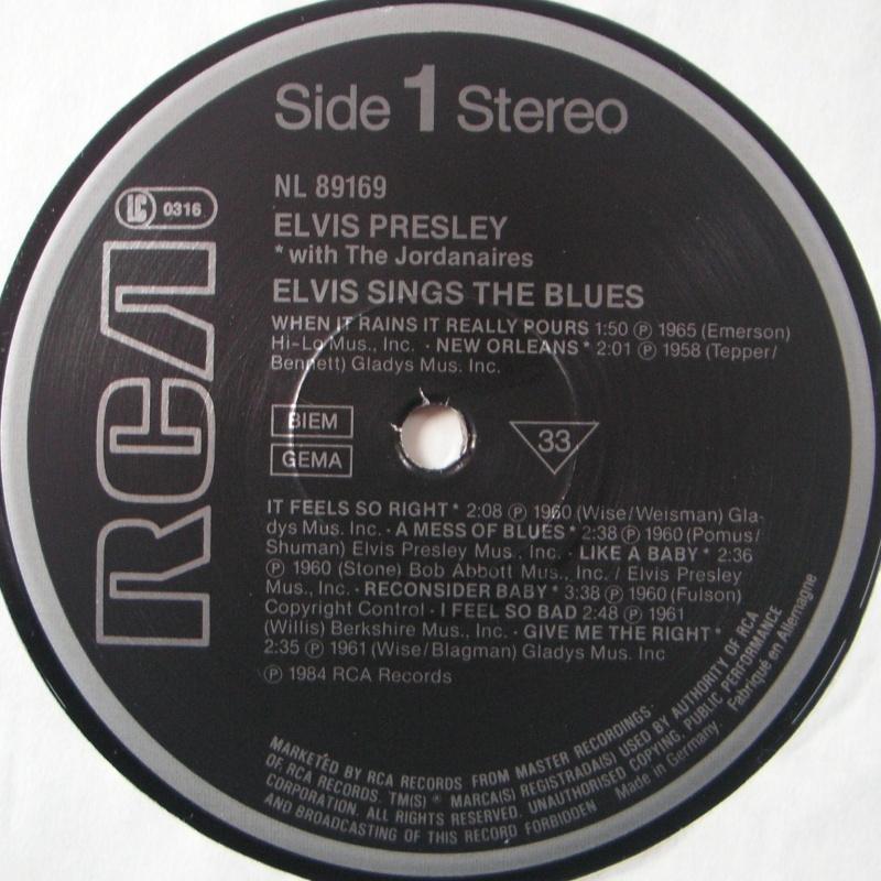 ELVIS SINGS THE BLUES 4d10