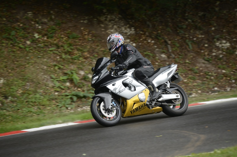 Cadwell park in the wet Cadwel12