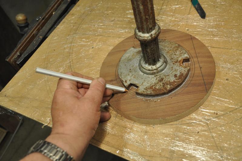 Fabrication d'un plateau  en bois pour table de bistrot 00410