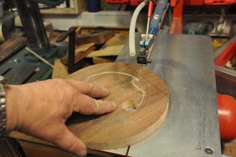 Fabrication d'un plateau  en bois pour table de bistrot 00510