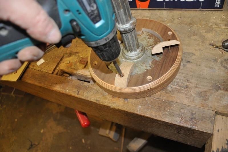 Fabrication d'un plateau  en bois pour table de bistrot - Page 2 01012
