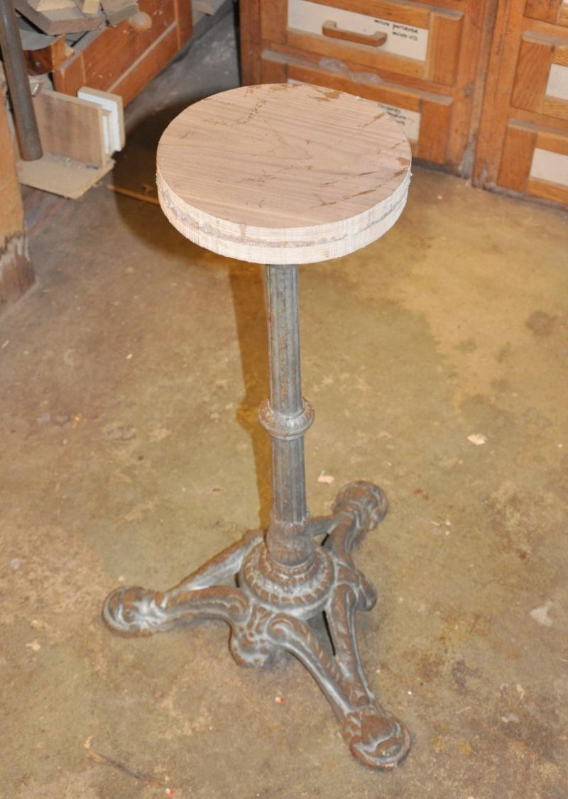 Fabrication d'un plateau  en bois pour table de bistrot 01710