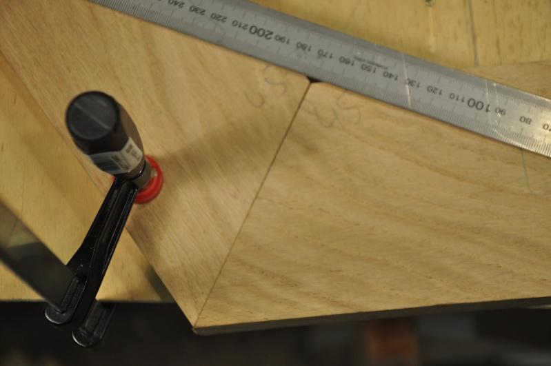 Fabrication d'un plateau  en bois pour table de bistrot 03411