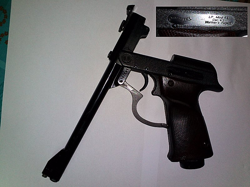 pistolet  air comprimé PREDOM LUCZNIK WZ  1970 Img37310