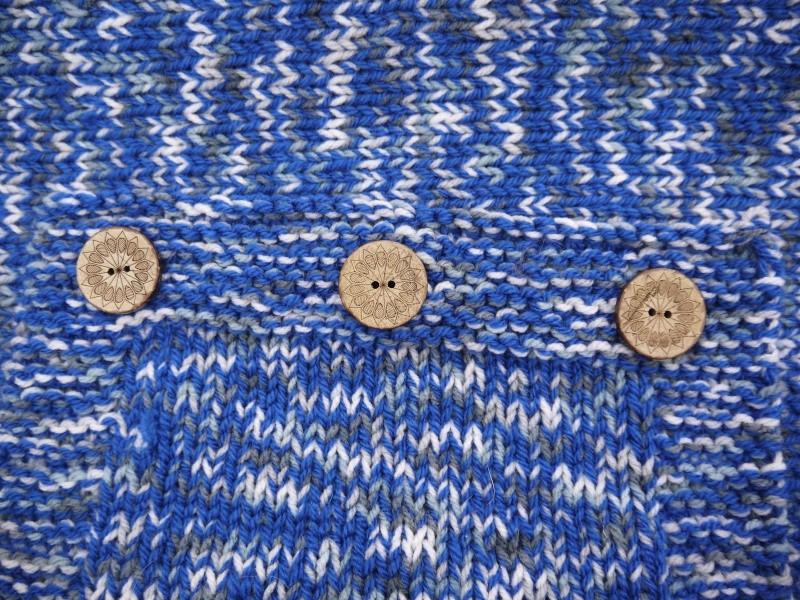 Pull en laine bleu électrique gris et blanc Taille 68cm P1090911