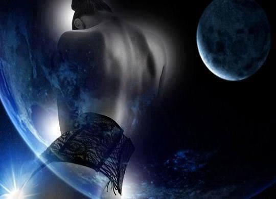 La femme et la Lune ...  - Page 3 10593010