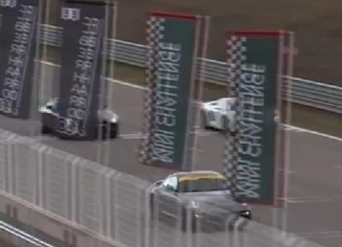 Mercedes se moque de Porsche 0010