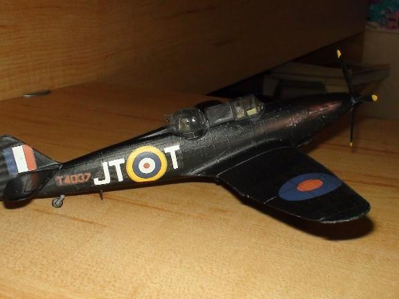 boulton defiant (airfix) Dsc01026