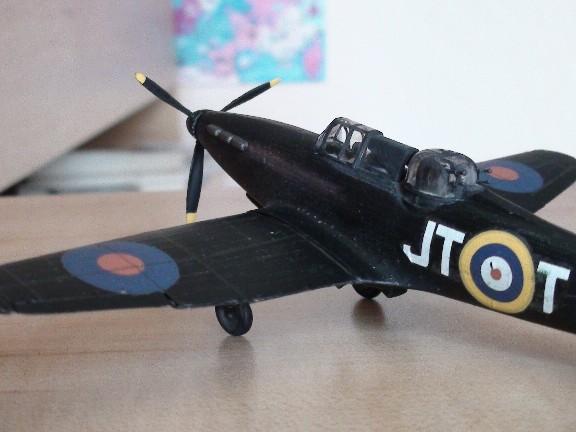 boulton defiant (airfix) Dsc01028