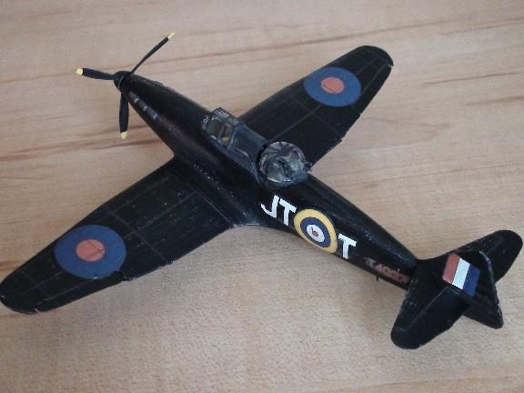 boulton defiant (airfix) Dsc01029
