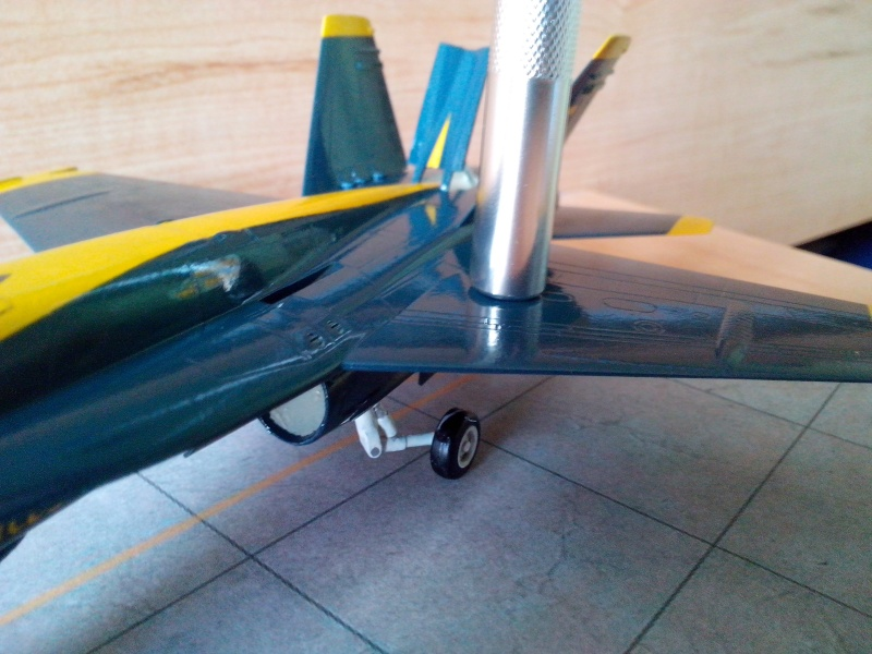 F 18 Blue Angels (hobby boss) - Page 2 Img_2088