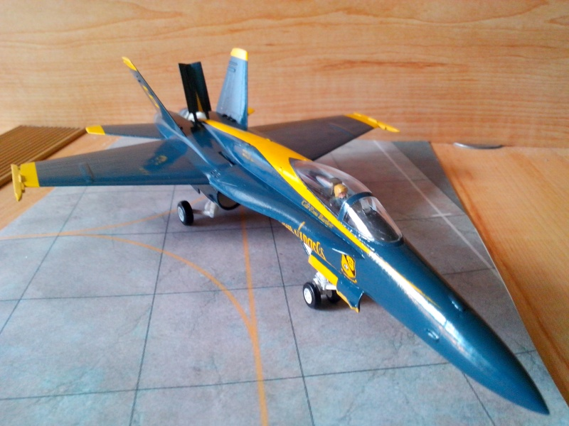 F 18 Blue Angels (hobby boss) - Page 2 Img_2091