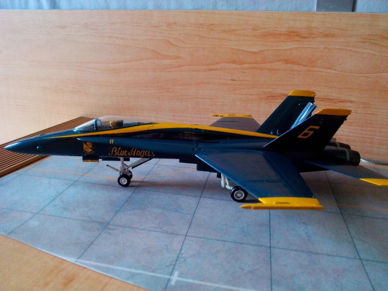 F 18 Blue Angels (hobby boss) - Page 2 Img_2092