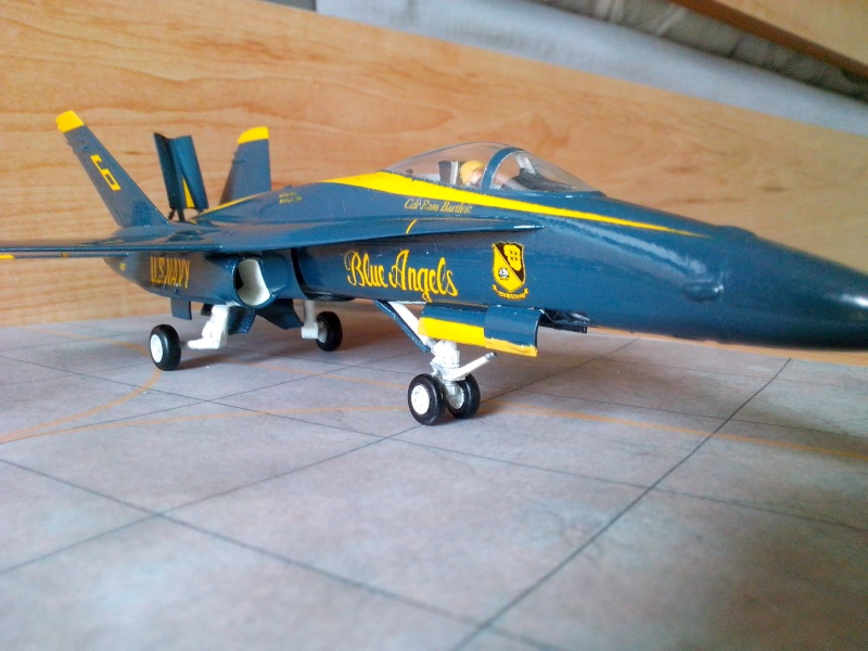 F 18 Blue Angels (hobby boss) - Page 2 Img_2094