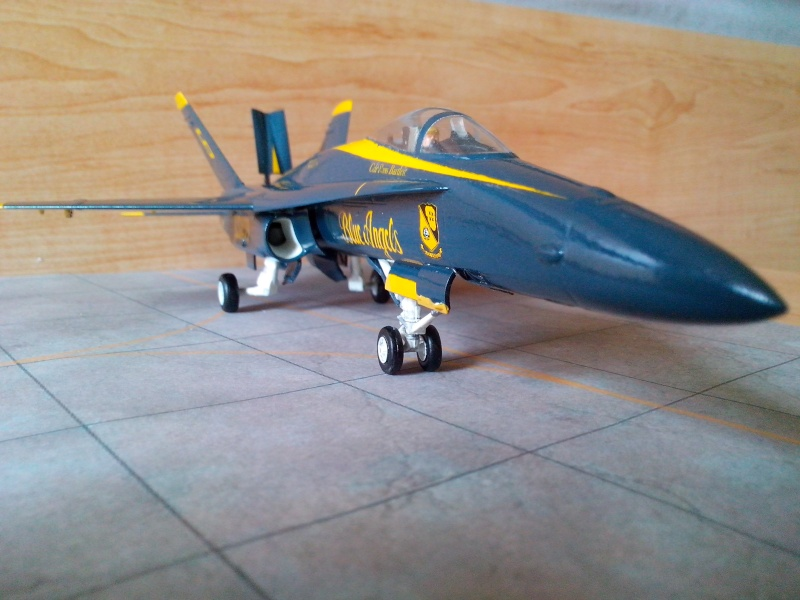 F 18 Blue Angels (hobby boss) - Page 2 Img_2095