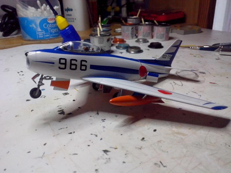 "F-86F-40 Sabre ""Blue Impulse"" (Hobby Boss) - Page 2 Img_2165"