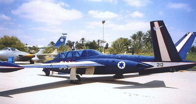 Fouga Magister CM170 Patrouille de France 1965 Israel10