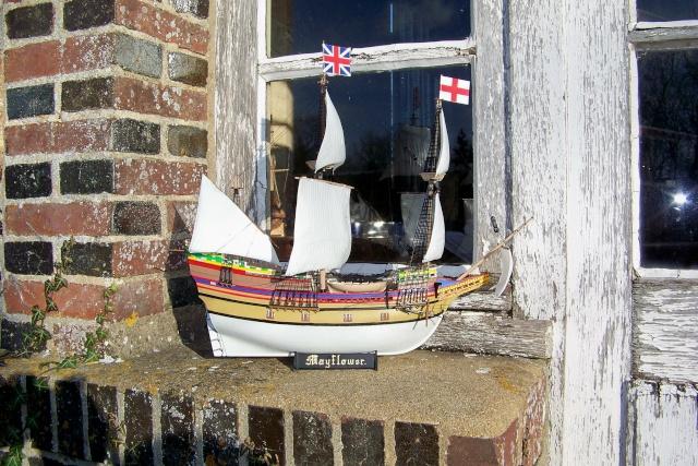 """Mayflower """"Heller"""" 1/150 (en fait 1/64) FINI - Page 2 100_9012"""