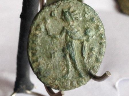 Nummus Ae3 Constantin 1er Revers10
