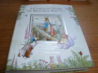 [BOOK TAG] Le livre de votre bibliothèque avec la plus belle couverture   - Page 2 Byatrx10