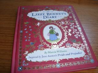 [BOOK TAG] Le livre de votre bibliothèque avec la plus belle couverture   - Page 2 Lizzie10