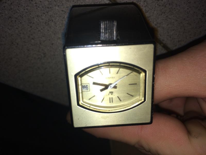 cherche info sur cette montre Img_3510