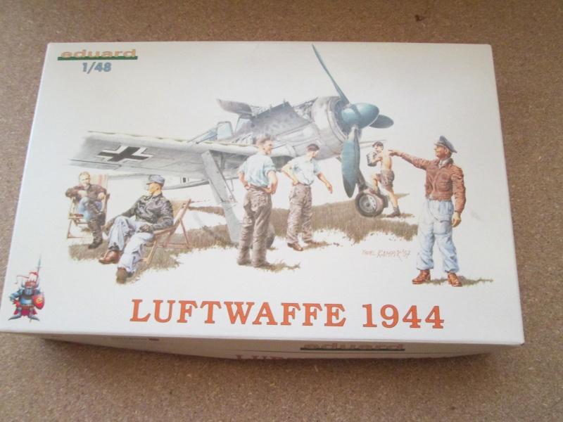 verschiedene Figurensätze der deutschen Luftwaffe aus WK2 in 1:48  Img_0023