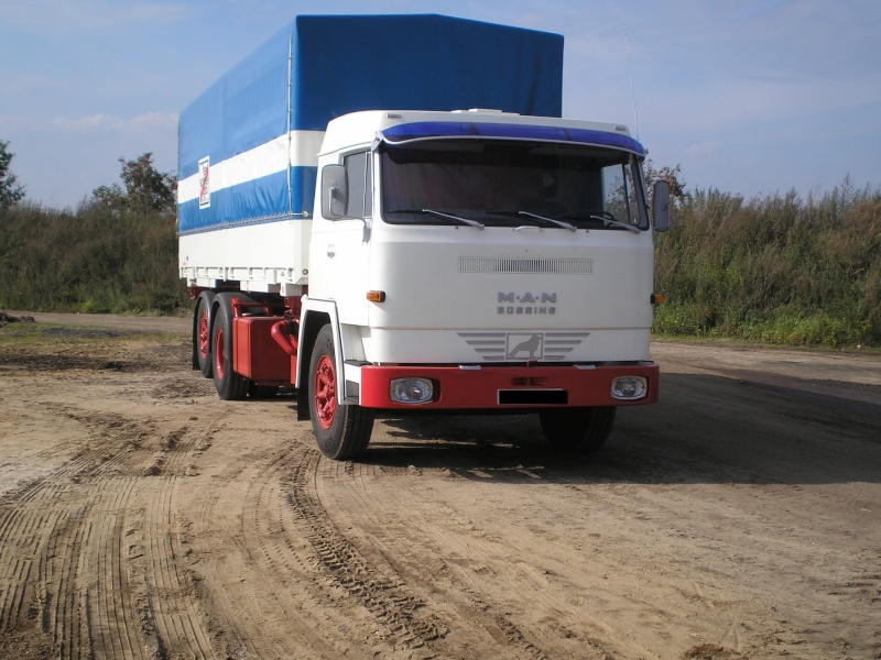 Alte LKW P8200024