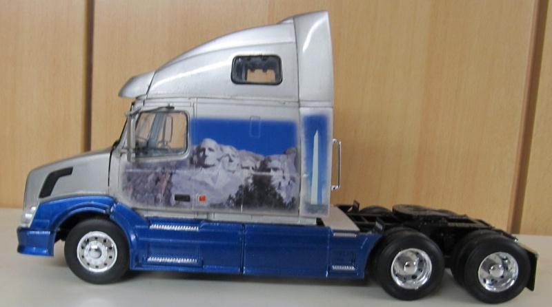 Volvo LKW in 1 zu 24 und 1 zu 25 Volvo_27