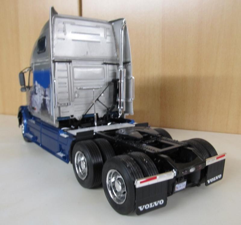 Volvo LKW in 1 zu 24 und 1 zu 25 Volvo_28