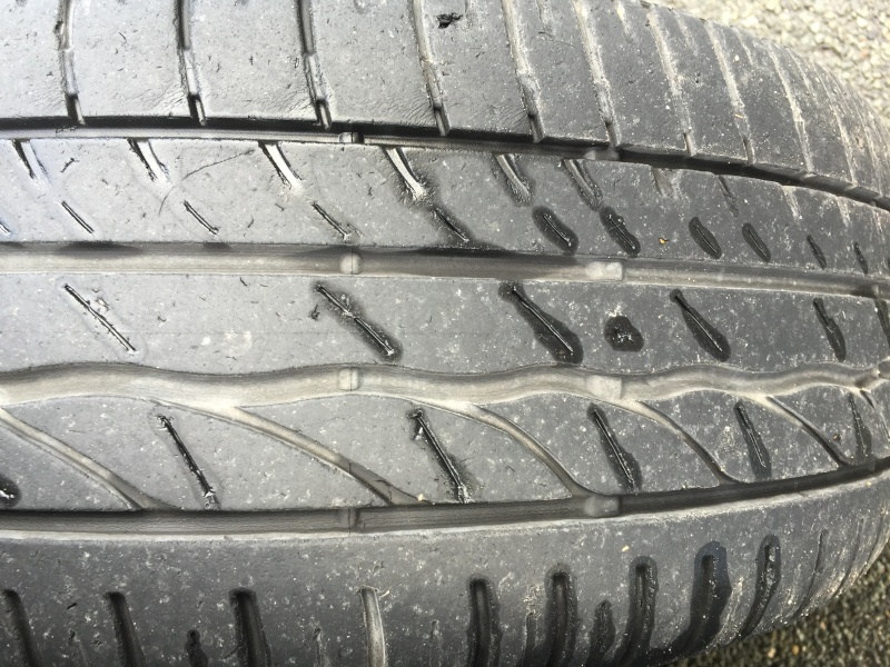Usure des pneus  Img_1010