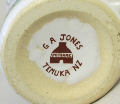 POTBANK G.A. Jones Temuka CHRISTCHURCH N.Z MUG  G_a_jo11